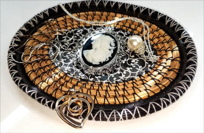 Sunlit jewelry tray